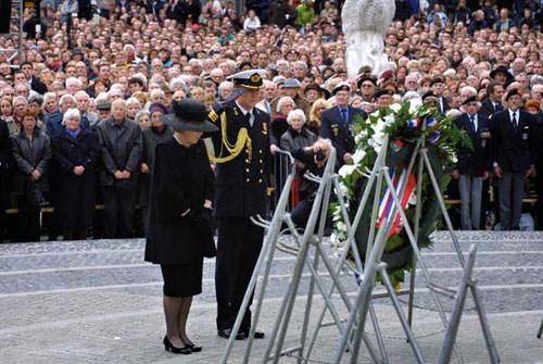 День памяти погивших Dodenherdenking
