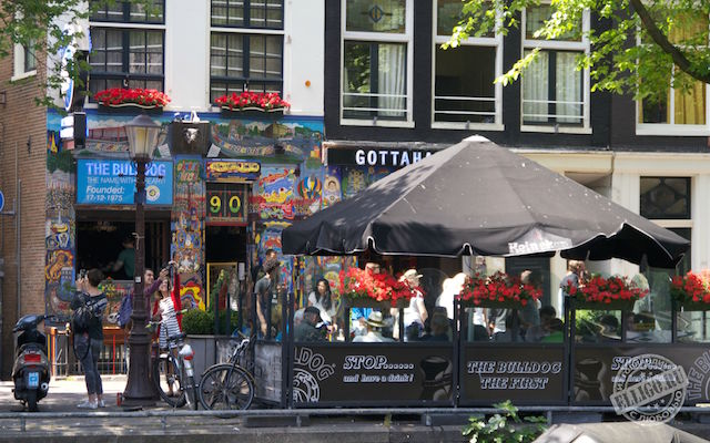Граффити в Амстердаме