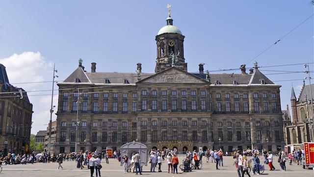Площадь Дам в Амстердаме
