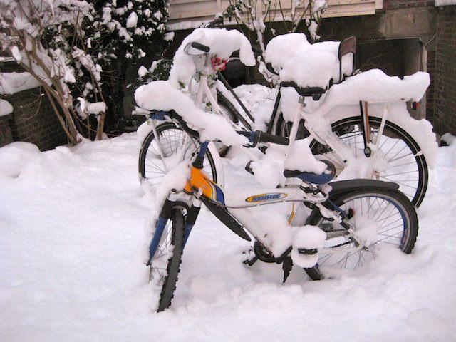 сугробы из велосипедов