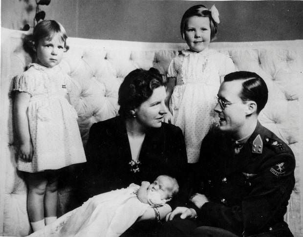 Принцесса Беатрикс с родителями