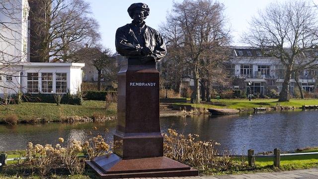 Памятник Рембрандту в Лейдене