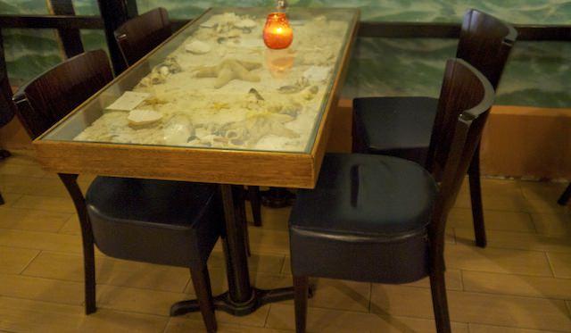 столики с морскими звездами