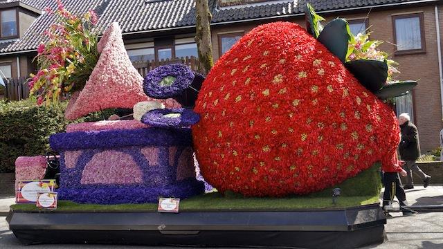 скульптуры их цветов