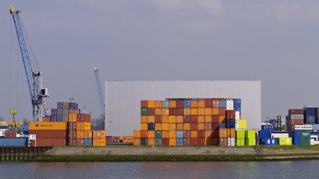 контейнеры с грузом, порт Роттердама
