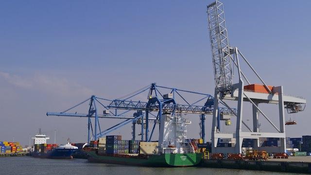 краны, порт Роттердама