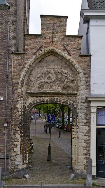 старинная арка, Делфт