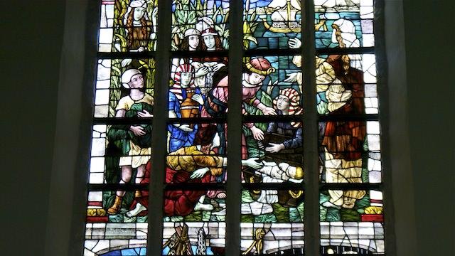 цветные витражи в Старой церкви, Делфт