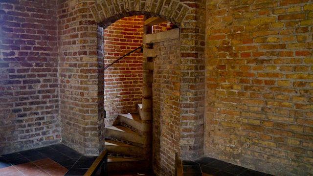 лестница, ведущая на смотровую площадку Новой церкви