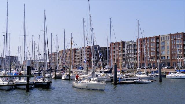 Яхт-клуб в гавани Схевенинген