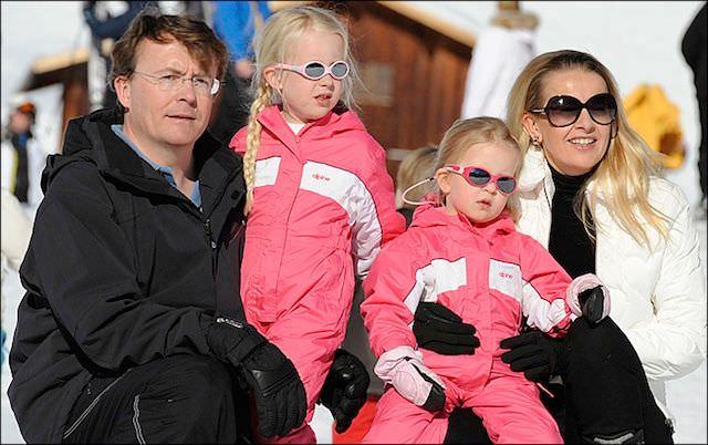 фотграфия с сатйа www.komonews.com