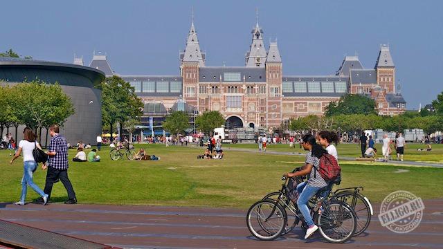 Национальная галерея Rijksmuseum, Музейная площадь Амстердама,