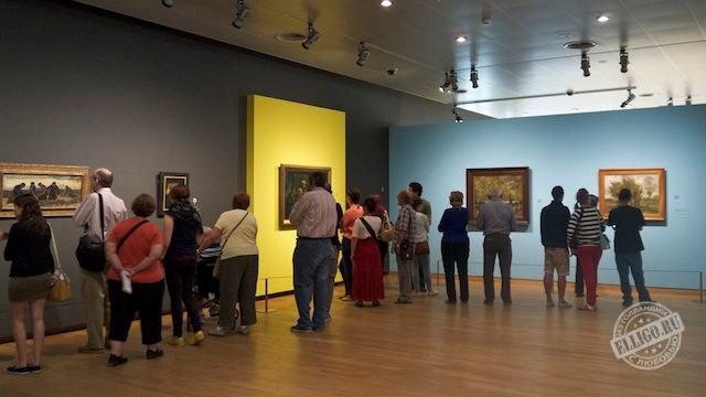 Стены - изюминка Музея Ван Гога в Амстердаме