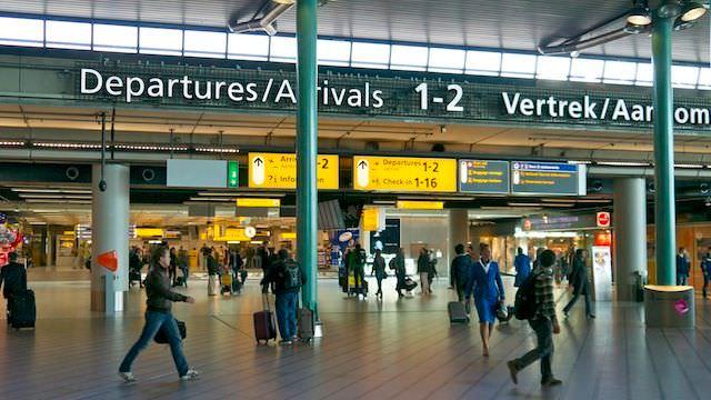 Центральный зал аэропорта Амстердама