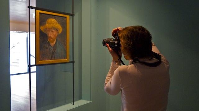 Фотографировать в музее не разрешено