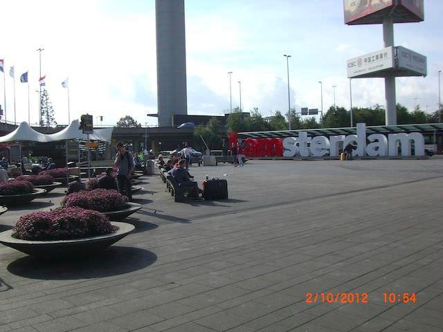 Павел и Амстердам (аэропорт Схипхол)