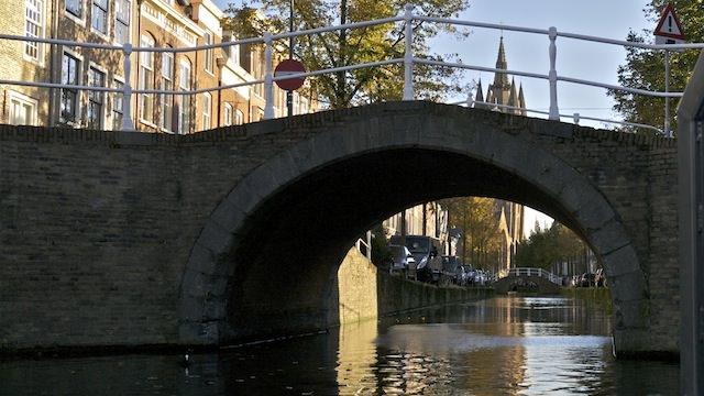 За мостом - Старая церковь Делфта