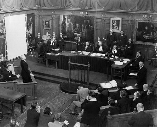 Суд над Меергерен, фотография с сайта flickriver.com