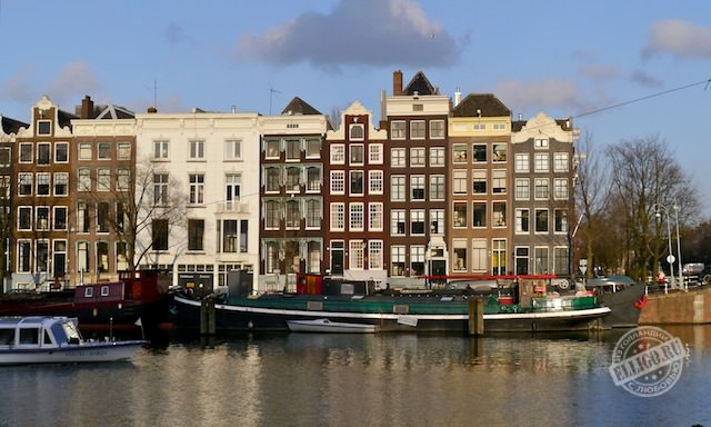 Плавучий дом в Амстердаме-01