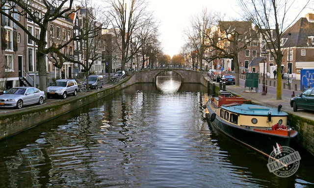 canal_amsterdam1
