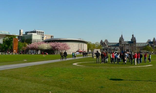 Музейная площадь в Амстердаме