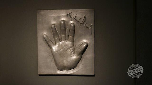 Отпечатаок руки Майкла Джексона