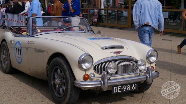 Старинные автомобили-04