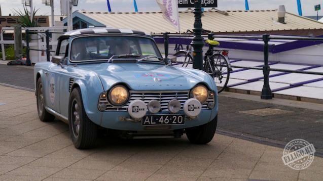 Старинные автомобили-08