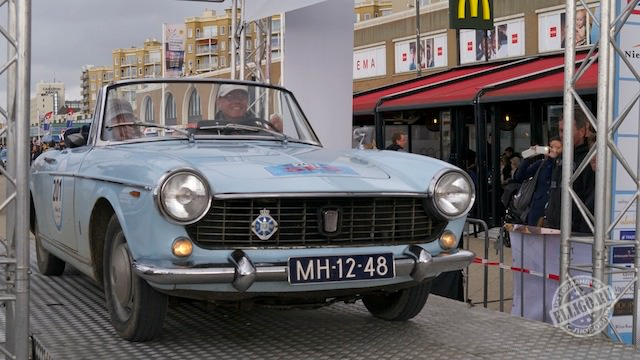 Старинные автомобили-19
