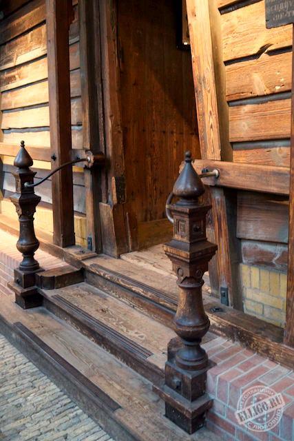 Вход в домик Петра 1