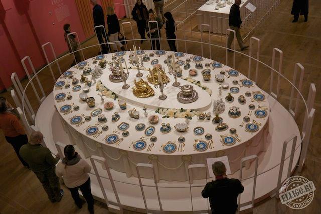 Выставка Эрмитажа Ужин с царями-02