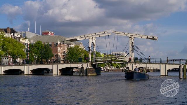 Тощий мост в Амстердаме