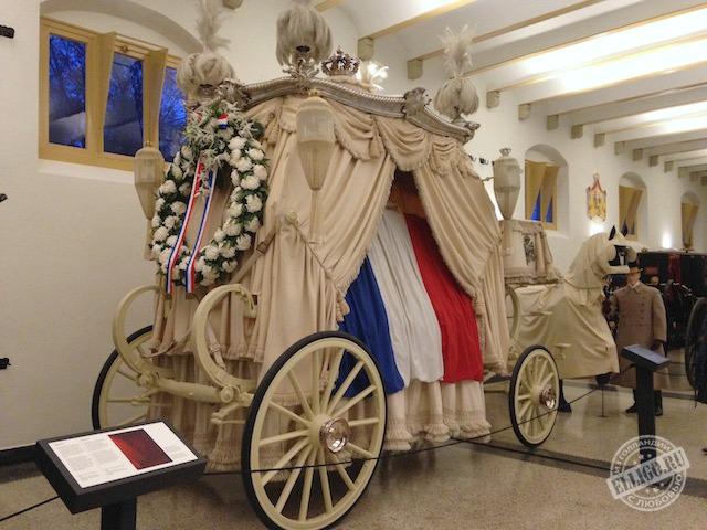 funeral-wagon